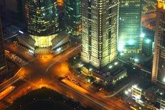De nachtmening van Shanghai overzien Stock Foto's