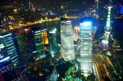 De nachtmening van Shanghai overzien Stock Foto
