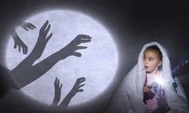 De nachtmerrie van het kind Stock Afbeeldingen