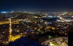 De nachtpanorama van Athene van heuvel Lycabettus Stock Foto's