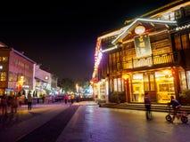 De nachtscène van het restaurantstraat van Nan-Tchang op 11 Nov., 2017 bepaalt van de plaats royalty-vrije stock foto's