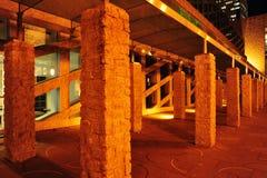 De nachtscène van het stadhuis royalty-vrije stock afbeeldingen