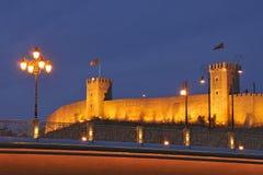 De nachtscène van Skopje stock foto's