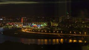 De nachtstad van het Timelapsepanorama en verlichtingsweg stock videobeelden