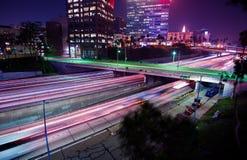 De Nachtverkeer van Los Angeles stock foto's