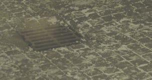 De nachtwinter Smokey Sewer stock footage