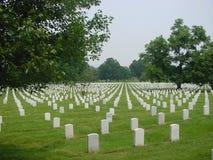 De Nationale Begraafplaats van Arlington, rechte mening royalty-vrije stock afbeelding