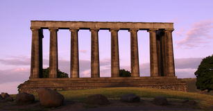 De nationale Heuvel van Calton van het monument, Edinburgh, Schotland stock afbeeldingen