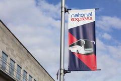 De nationale Uitdrukkelijke bussen nemen en zetten punt op af stock foto's