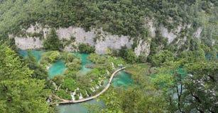 De naturliga sj?arna och vattenfallen av Plitvice parkerar royaltyfria bilder