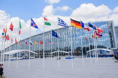 De NAVO NIEUW Hoofdkwartier die Brussel, België inbouwen stock afbeelding