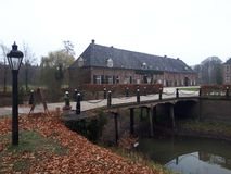 De Nederlandse brug van kasteelslangenburg royalty-vrije stock afbeeldingen
