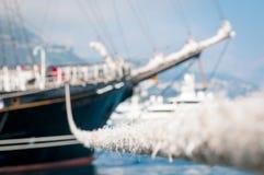 De neus van het schip met kabel. Royalty-vrije Stock Afbeeldingen