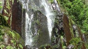 De Nideck-waterval stock videobeelden