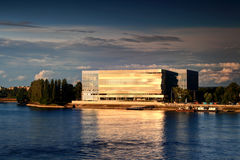 De nieuwe Arena van Donau op de rivierbank van de Donau, Boedapest Royalty-vrije Stock Foto's