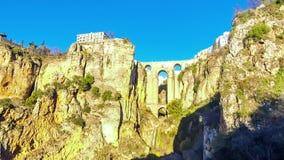 De Nieuwe Brug Puente Nuevo in Ronda stad, Andalusia, Spanje stock videobeelden