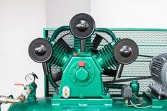 De nieuwe Drievoudige Compressoren van de Cilinder Vergeldende Lucht op Industrie Royalty-vrije Stock Fotografie