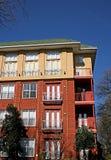 De nieuwe Flatgebouwen met koopflats van de Baksteen Royalty-vrije Stock Foto's