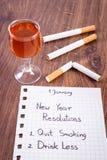 De nieuwe jarenresoluties, houden met op rokend, drank minder alcohol Royalty-vrije Stock Fotografie