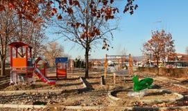 De nieuwe speelplaats van het kinderenjonge geitje voor vrije tijd en recreatieactiviteit stock afbeeldingen