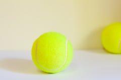 De nieuwe Tennisballen Stock Afbeelding