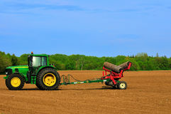 De nieuwe tractor van het Landbouwbedrijf Stock Afbeeldingen
