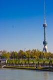 De nieuwe TV-toren in Tashkent, Oezbekistan Royalty-vrije Stock Foto's