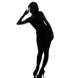 De nieuwsgierige luistervrouw van het silhouet stock afbeelding