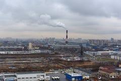 De nieuwste apparatuur van olieraffinage Stock Foto's