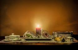 De Noël toujours composition en vie sur une table en bois Image libre de droits