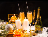 De Noël toujours la vie de fête avec le champagne Photo stock