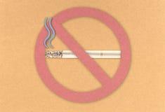 De no fumadores en tarjeta del corcho Foto de archivo libre de regalías