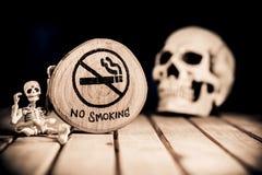 De no fumadores y mundo ningún día del tabaco Imágenes de archivo libres de regalías