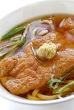 De noedels van Kitsune udon, Japanse keuken Stock Afbeelding