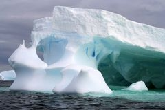 De Noordpoolijsberg van Groenland Stock Foto's