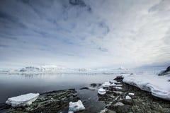 De noordpoollente in zuiden Spitsbergen Stock Afbeeldingen