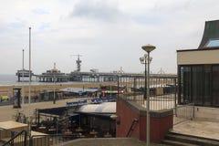 De Noordzee en de pijler in Scheveningen Stock Foto's
