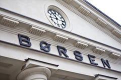 De Noorse Beurs en de klok stock afbeeldingen