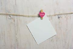 De nota maakte roze hart vast Stock Afbeelding