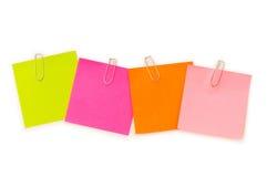 De nota's van de herinnering met paperclippen Stock Fotografie