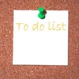 De nota van de post-it over cork - maken van een lijst Royalty-vrije Stock Foto's