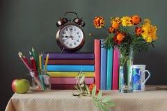 De nouveau à l'école 1er septembre, jour de la connaissance Le jour du ` s de professeur Photographie stock
