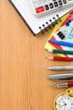 De nouveau au concept d'école et au cahier contrôlé Image stock