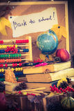 De nouveau aux cadeaux d'automne de fournitures scolaires d'école Images stock