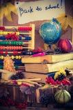 De nouveau aux cadeaux d'automne de fournitures scolaires d'école Photographie stock libre de droits