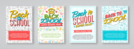 De nouveau aux cartes en liasse d'école avec des labels de couleur sur le backgroun différent Image libre de droits