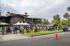 De nouveau aux futures fans à la Chambre de jeu à Pasadena Photos stock