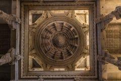 8 de novembro de 2014: Carvings detalhados das paredes dentro do Jai Foto de Stock Royalty Free