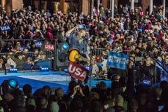 7 de novembro de 2016, a INDEPENDÊNCIA SALÃO, músico Bruce Springsteen executa em uma reunião da véspera da eleição para Hillary  fotografia de stock royalty free