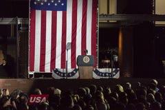 7 DE NOVEMBRO DE 2016, INDEPENDÊNCIA SALÃO, PHIL , PA - pódio vazio com selo presidencial para presidentes Obama e Clinton e Hill Fotografia de Stock Royalty Free